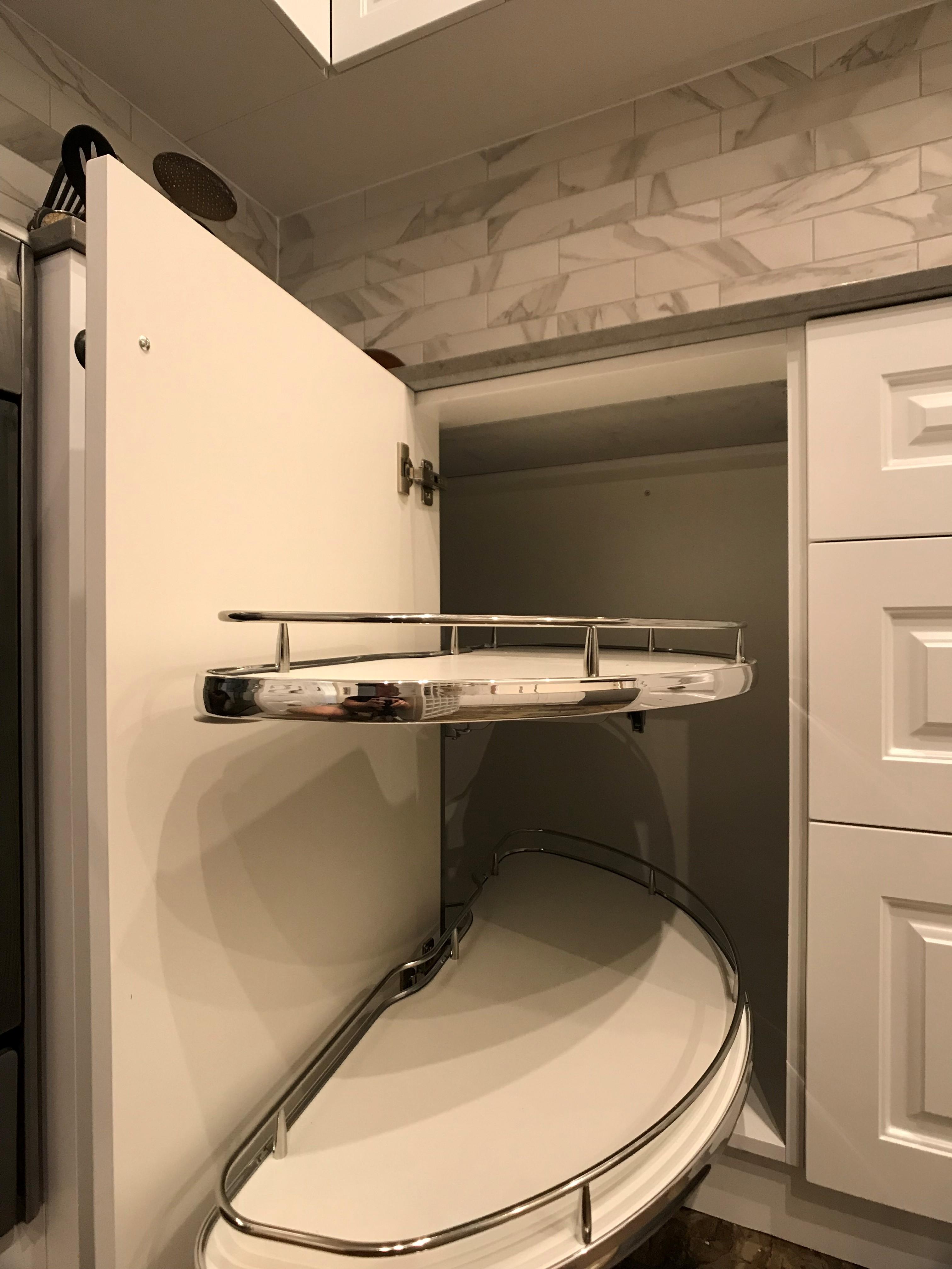 White kitchen pullouts. - Kitchen hardware.